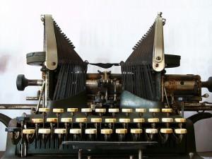 Rédaction de texte sur machine à écrire